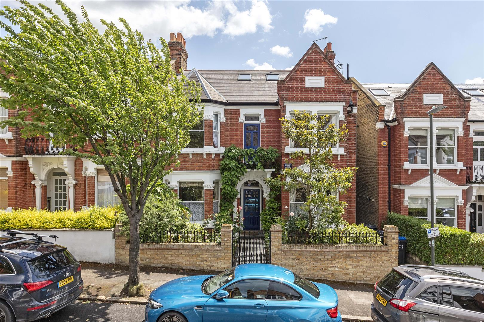 Property For Sale London - Andrew Scott Robertson